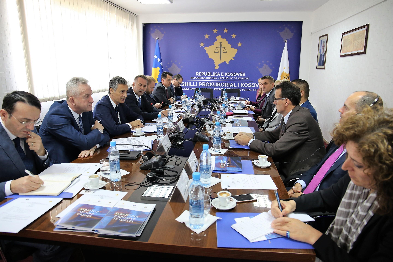 """Strategjia e Krimeve të Luftës"""" dokumenti i parë i këtij lloji në Kosovë"""