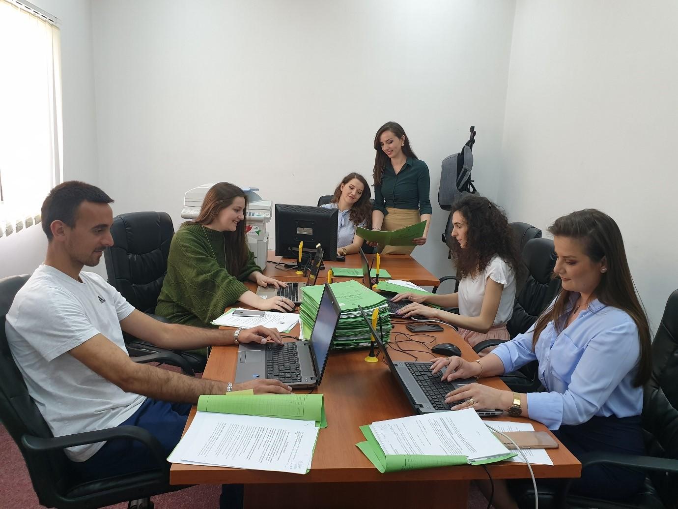 Gjykata Themelore Ferizaj përfundoj në tërësi regjistrimin e lëndëve të vjetra civile në sistemin SMIL