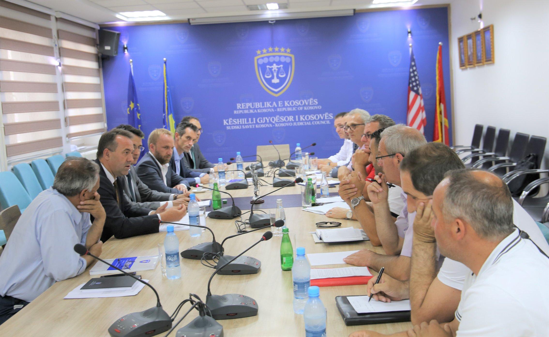 Arrihet pajtimi për trajtimin e kërkesave dhe shtyrjen e fillimit të grevës të Sindikatës së Judikaturës së Kosovës
