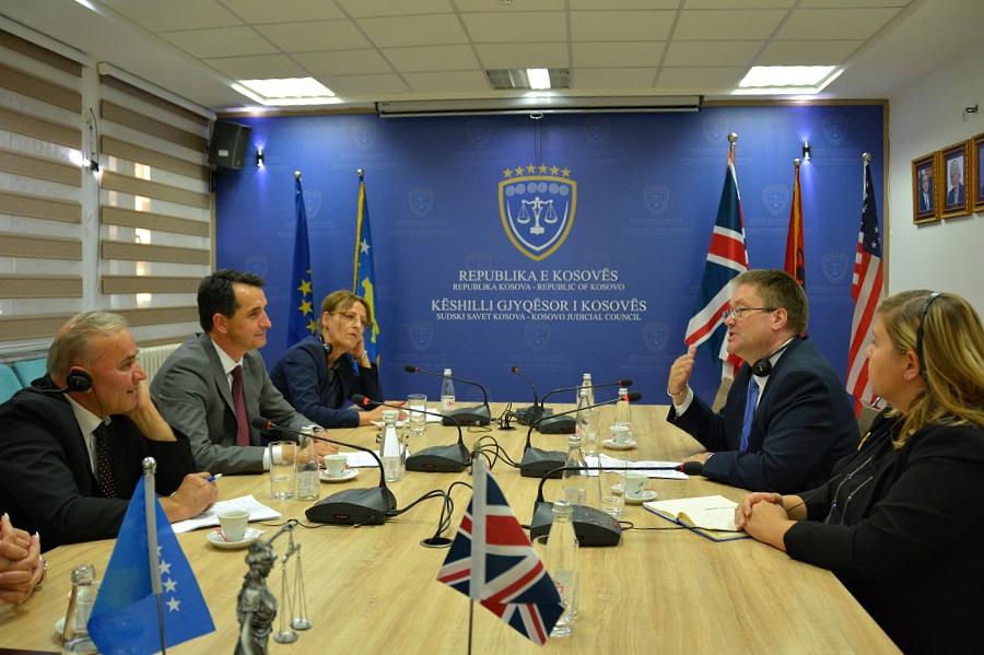 Britanija, velika podrška pravosudnim institucijama na Kosovu