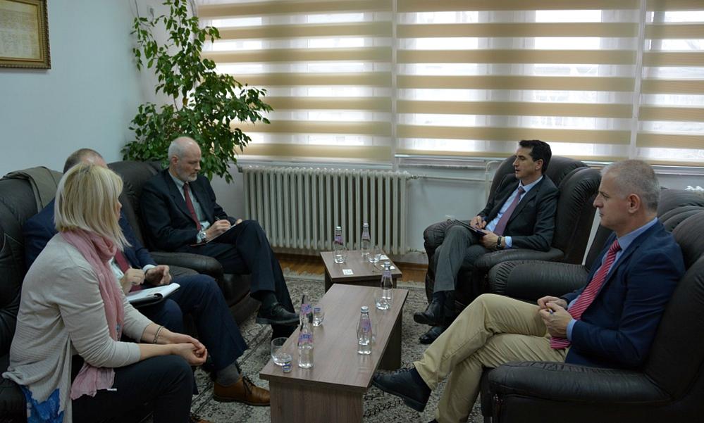 Kryesuesi Çoçaj priti në takim përfaqësues nga Checch and Company Consulting Inc