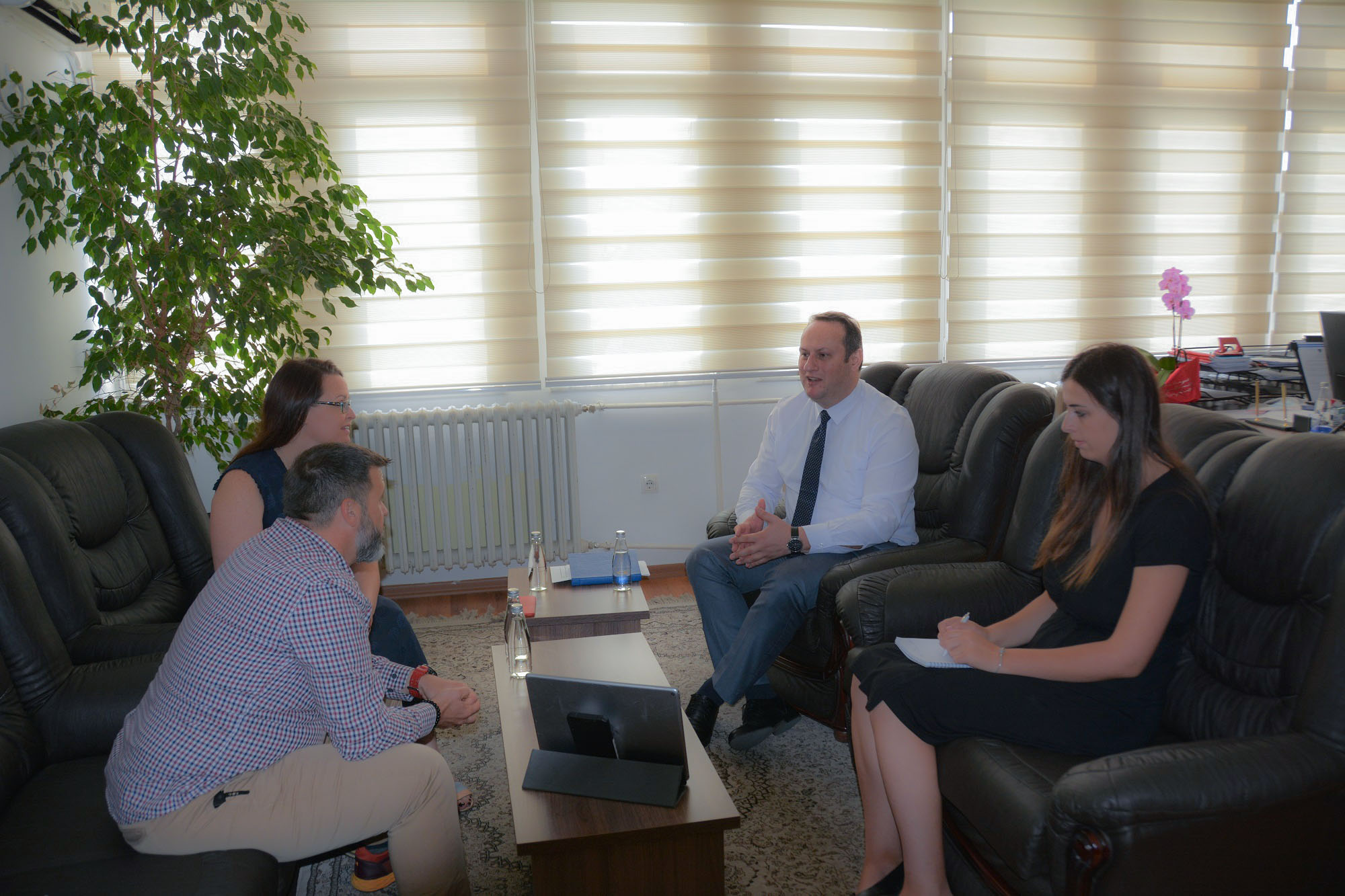 Kryesuesi  i KGjK-së, Zogaj,  priti në takim përfaqësuesit e Programit të USAID-it