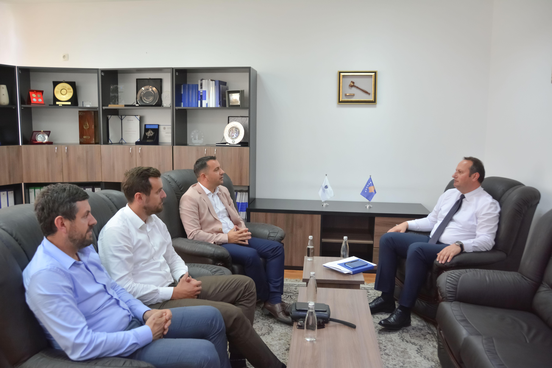 Kryesuesi Zogaj priti në takim Kryetarin e OAK-së, z. Behar Ejupi