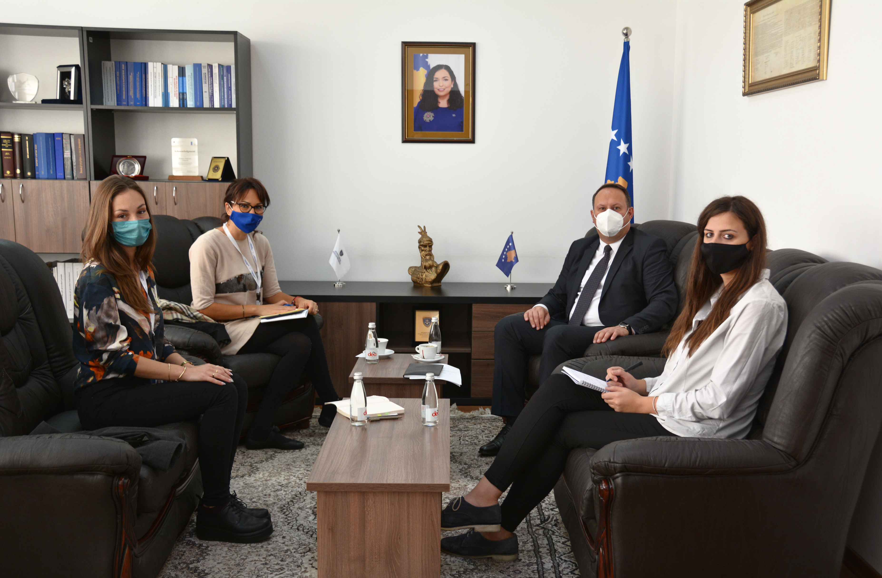 Predsedavajući Zogaj dočekao na sastanku predstavnika Misije posmatrača EU-a za lokalne izbore na Kosovu za 2021.